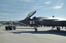 Le Lockheed Martin F-35,concurrent du Rafale, fait le show au Bourget