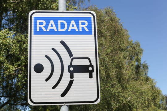 Radar tronçon : fonctionnement, amendes, points perdus