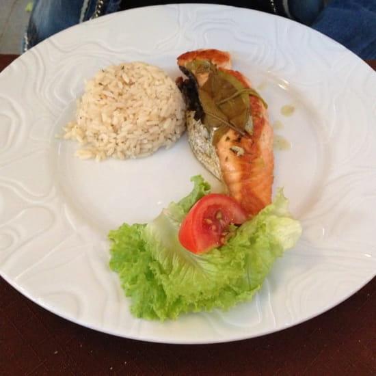 Plat : Restaurant des Voyageurs  - Plat menu à 15€ pavé de saumon -