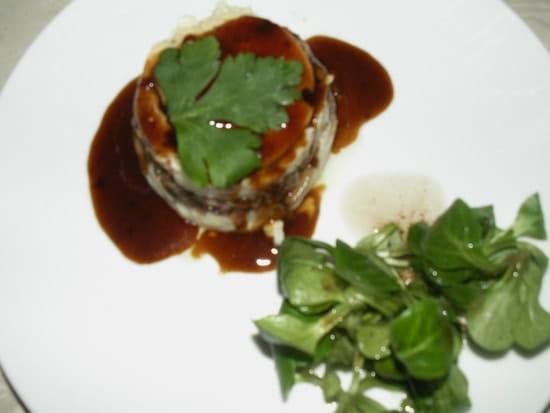 Le Garden  - Parmentier de canard confit, son médaillon de foie gras et son jus réduit au Porto -