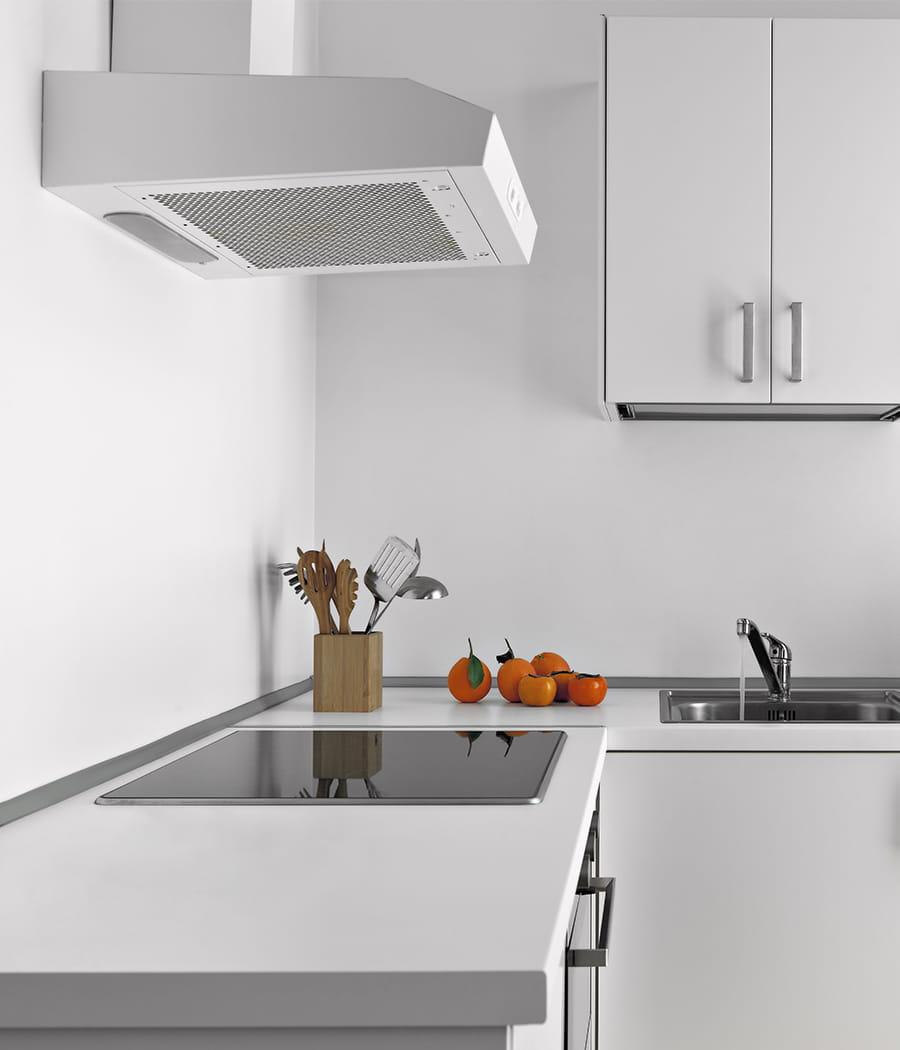 d graisser la hotte de la cuisine. Black Bedroom Furniture Sets. Home Design Ideas