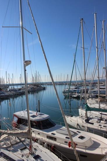 Le Yacht Club
