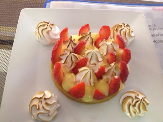 Dessert : Innamorato  - Tarte citron et fraise meringuée sablé a la noix de coco. Meringue italienne -