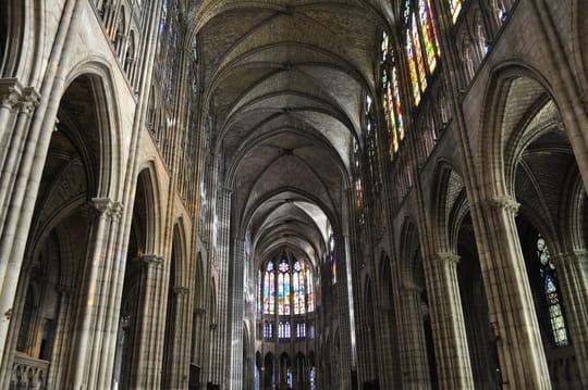 Basilique de Saint-Denis: histoire et visite de la nécropole des rois