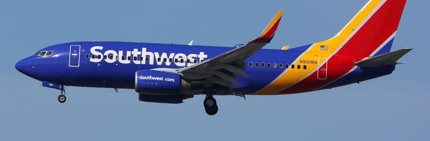 Un moteur d'avion explose en plein vol, une passagère tuée [PHOTOS]