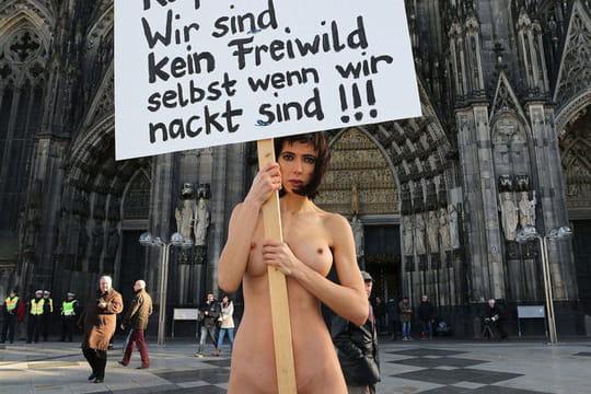 Nus pour être vus: quand la nudité devientunearme de protestation