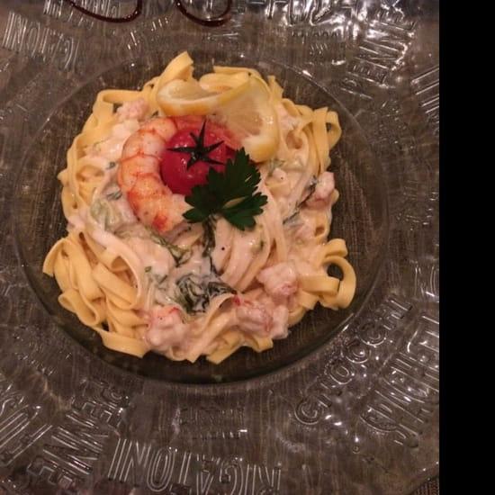 Plat : Le Viale Carnot  - Pasta, gambas, etc. Délicieux ! -