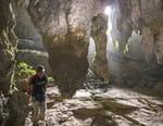 Tewet, le Dayak aux mille grottes