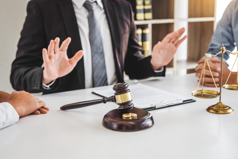Les frais d'avocat engagés lors de mon divorce sont-ils déductibles?