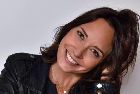 Julia Vignali: la compagne de Kad Merad remplace Faustine Bollaert, qui est-elle?