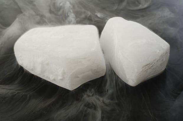 De la glace ou neige carbonique