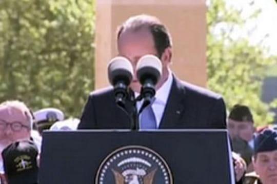 Hollande: caché derrière ses micros lors de son discours, la risée du Net