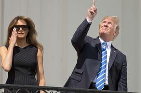 Donald Trumpa regardé l'éclipse de soleil... sans lunettes