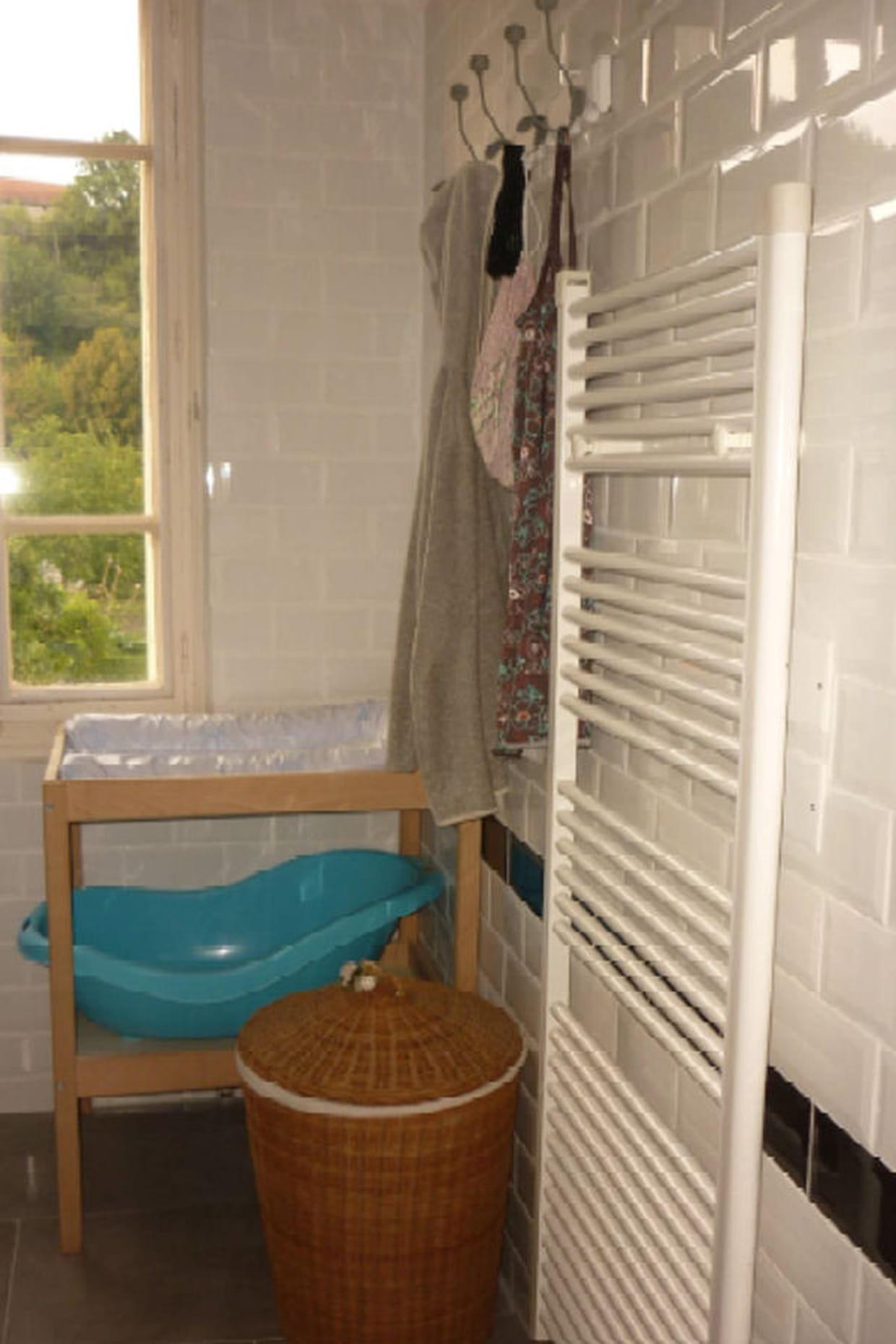 Un carrelage insolite dans la salle de bain