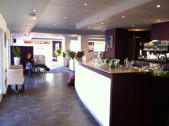 Brasserie restaurant le 9  - bar -   © thierry jost