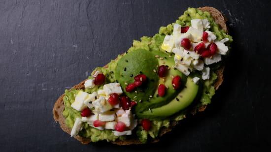 Entrée : Yellow Kitchens  - Avocado Toast -   © Yellow Kitchens