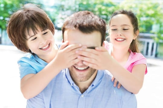 """Poème pour papa: lui dire """"on t'aime"""" en vers pour la Fête des pères"""
