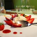 Le Vert mi Sel  - Sur un craquant de riz soufflé au praliné : Mousse au citron vert & fraises cigalines de Mr Nodin. -   © Magicpainters