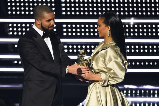 Drake : son incroyable déclaration d'amour à Rihanna... qui préfère en rire