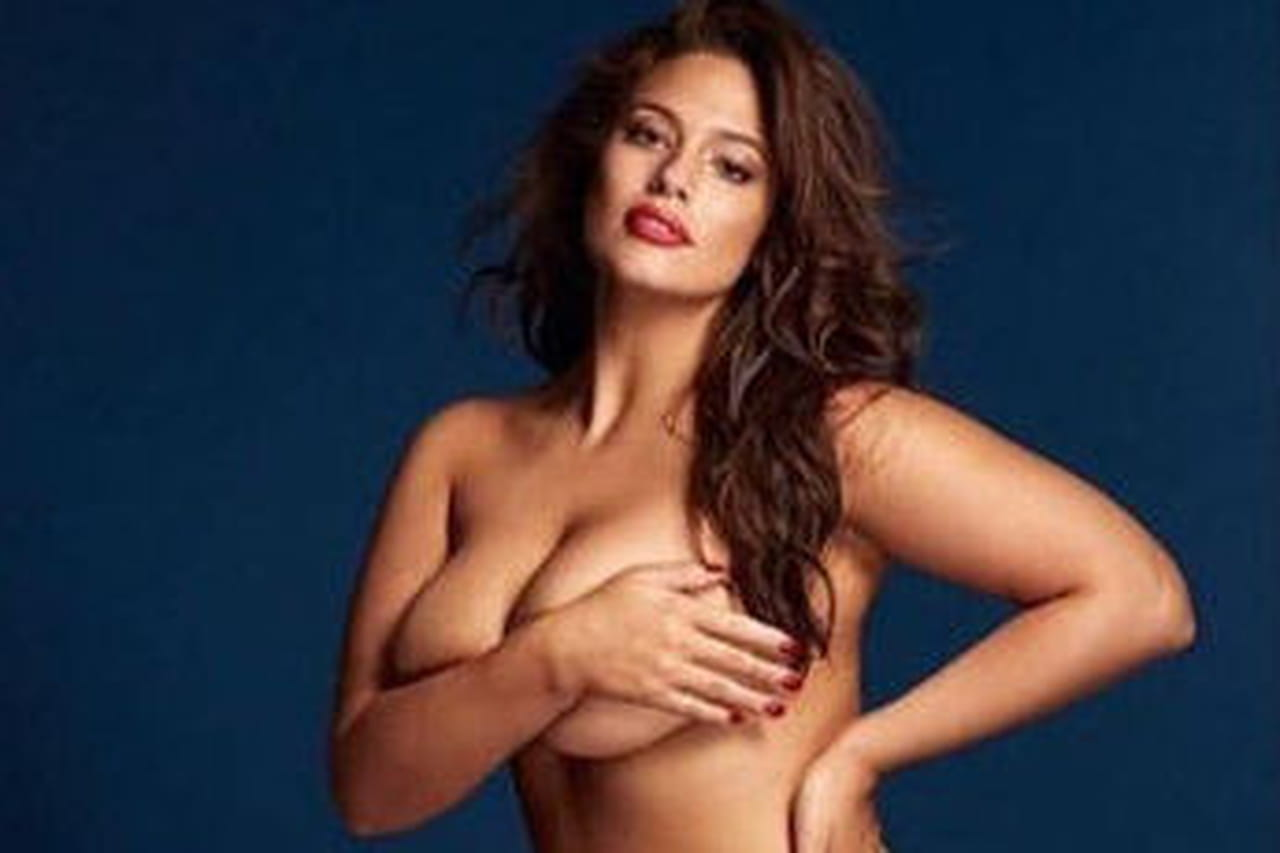 Ashley Graham se met à nu en hommage à Gigi Hadid