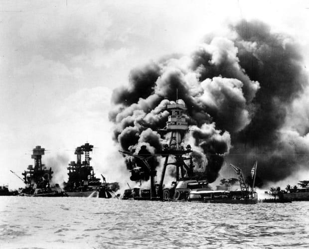 Navires de guerre pilonnés
