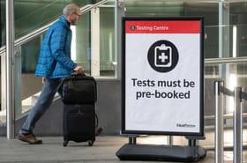 Frontières et coronavirus: test PCR exigé pour les voyageurs de l'UE arrivant en France, les infos