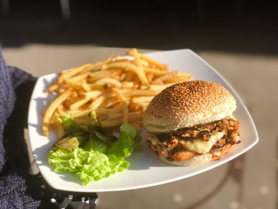 Plat : PizzBurg  - Burger -   © Jamel