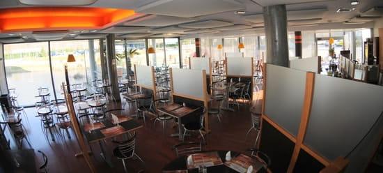 Bar Restaurant le Mery  - Salle de restauration -