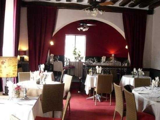 La Petite Marche  - Salle du restaurant  -   © Maurice Prunier