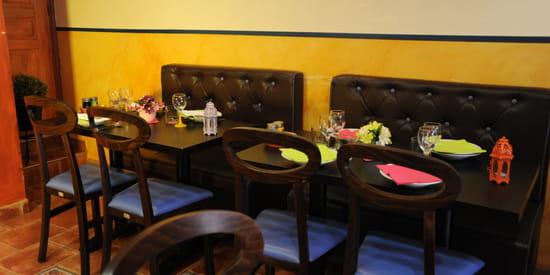 Restaurant : La Tanjia  - Une salle conviviale -   © La Tanjia