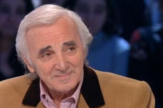 Aznavour: il a donné de l'argent à des politiques pour échapper au fisc