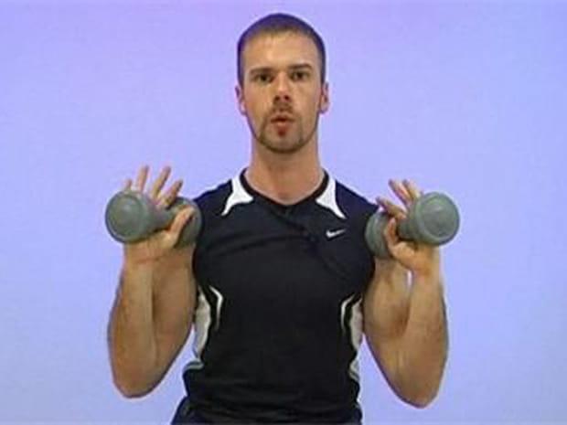 Se muscler les bras avec des haltères