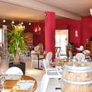Restaurant : Les Terrasses du Gardon  - L'intérieur -   © Prise sur leur site