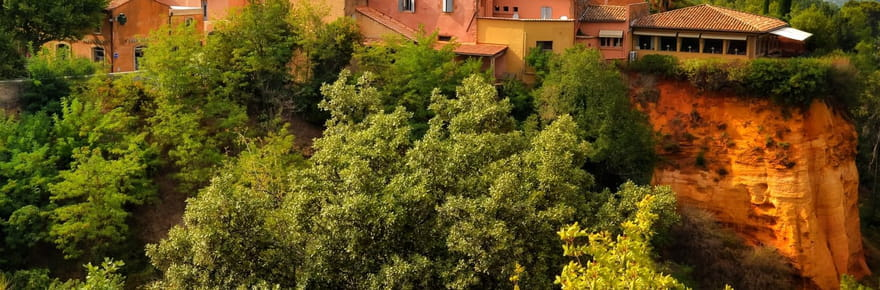 Roussillon, terre d'ocre en Provence