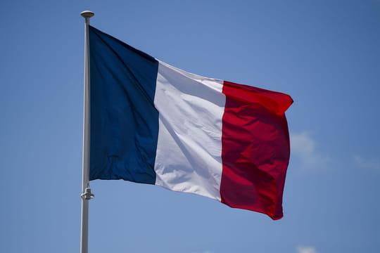 Maire de Signes: la Légion d'honneur pour Jean Michel, l'hommage en direct