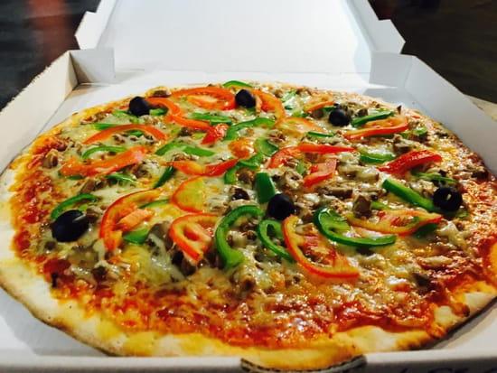 Chez Camembert Pizza  - Bon appétit avec Camembert pizza -   © CAMEMBERT PIZZA
