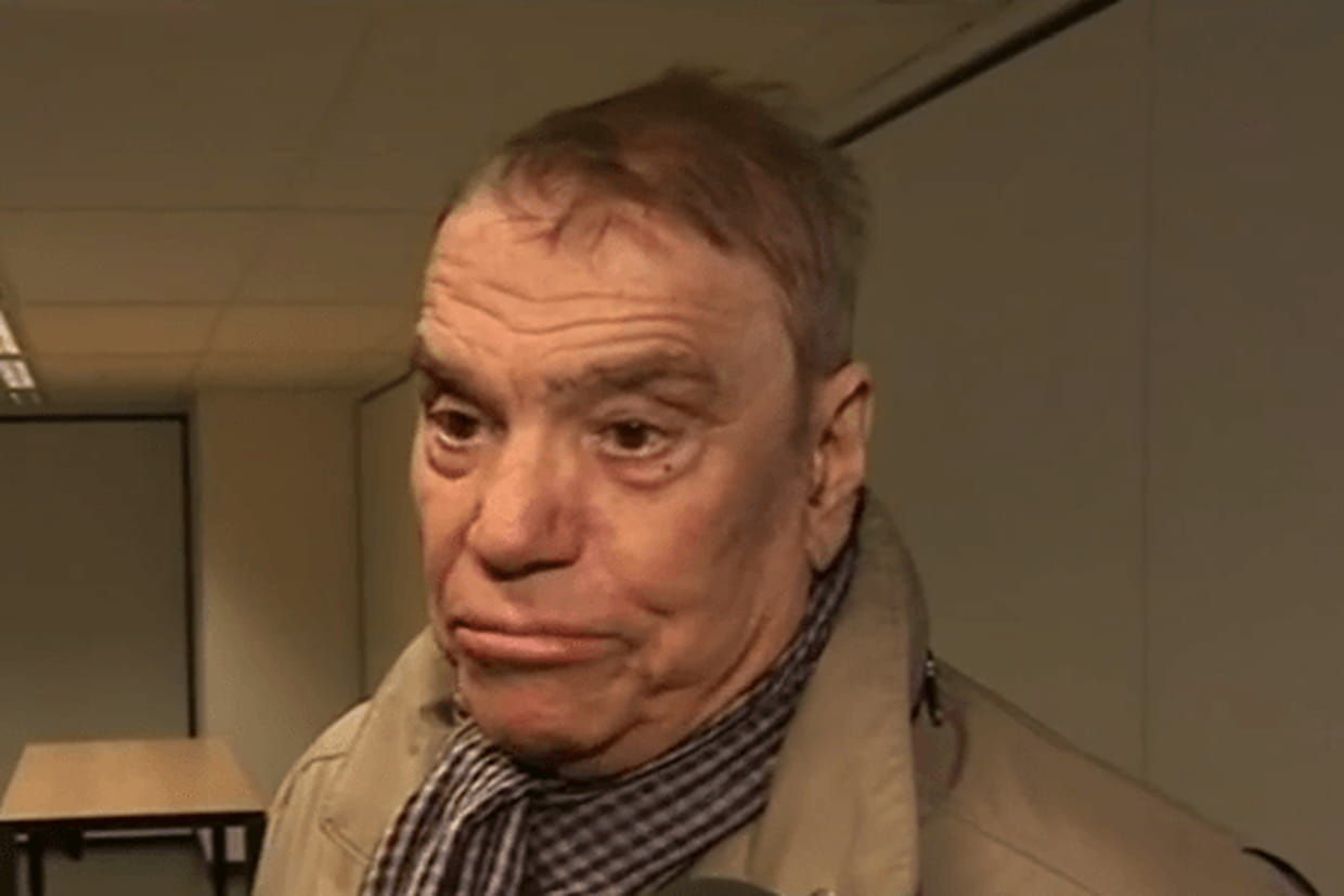 1re apparition combative depuis l'annonce de son cancer — Bernard Tapie affaibli
