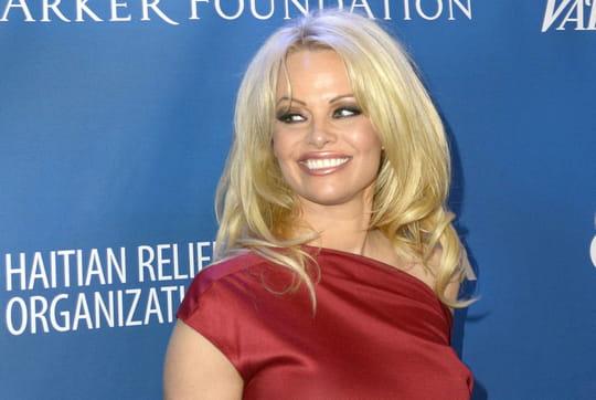 Un discours de Pamela Anderson à l'Assemblée nationale pour interdire le gavage d'oies