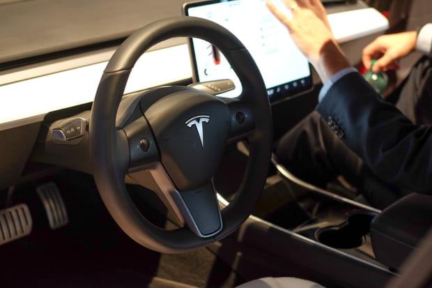 Découvrez le tableau de bord de la Tesla Model 3
