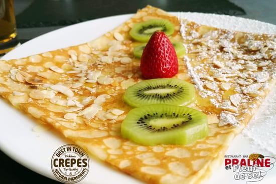 Dessert : Creperie Praline et Fleur de Sel  - Crêpe Amandes Kiwi Agave -   © PHL69
