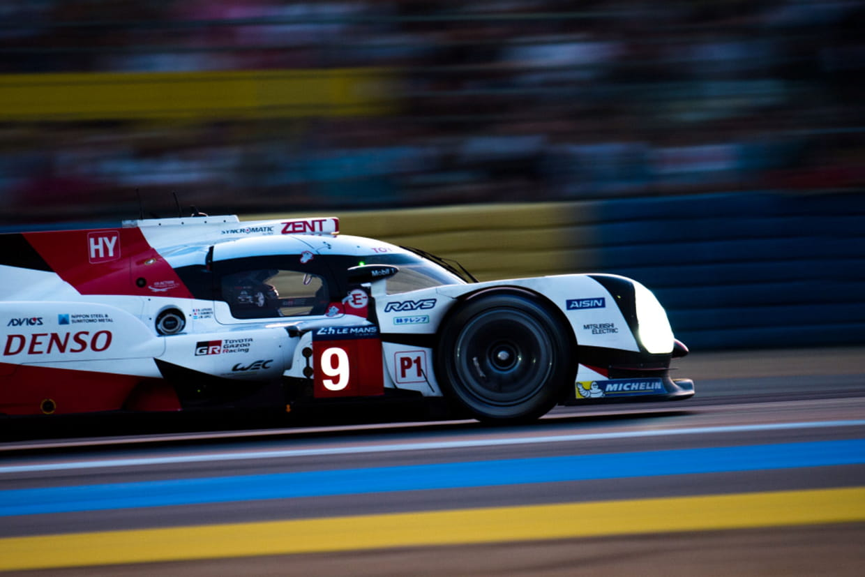 24h du mans toyota l 39 attaque de la nuit la course en direct. Black Bedroom Furniture Sets. Home Design Ideas