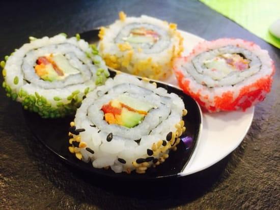 Plat : Lejap40.com sushi bar
