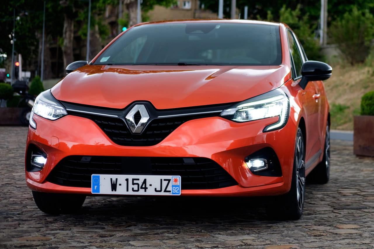 Nouvelle Renault Clio: que vaut-elle face à la 208? [comparatif, prix]