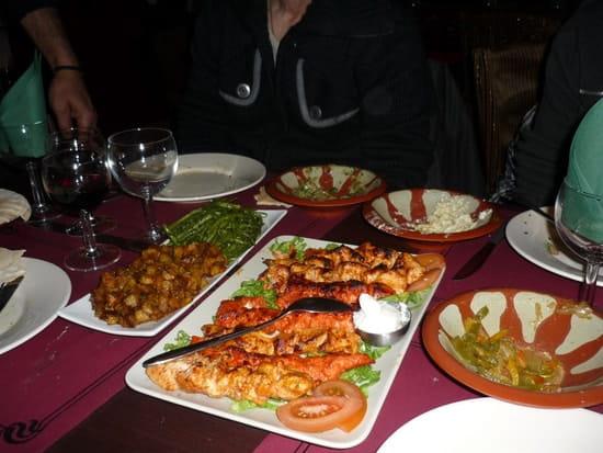 Sandibad  - mezzés et brochettes de poulet -   © anouk.12