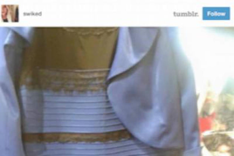 Robe blanche doree bleu noir