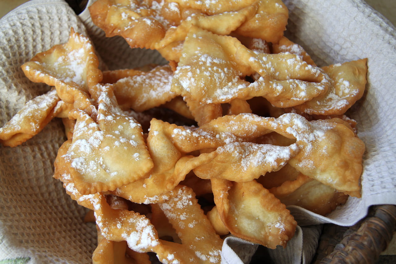 Mardi gras2019: pourquoi manger des beignets, des bugnes ou crêpes?