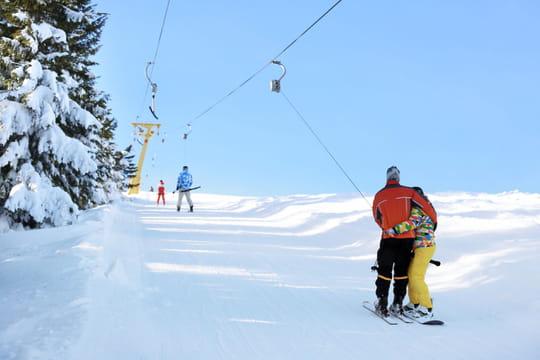Vacances de Noël: sera-t-il possible d'aller au ski en Europe? Dernières infos et annonces de Castex