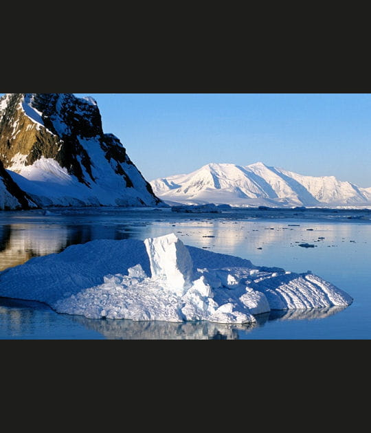 Antarctique: voyage dans un univers préservé