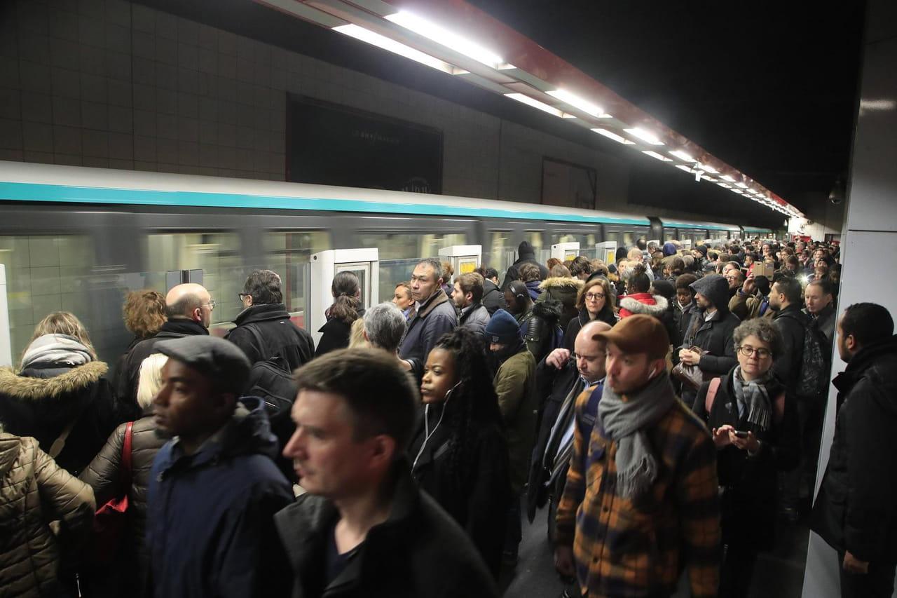 DIRECT - Grève RATP & SNCF: quel trafic sur les lignes SNCF ce vendredi 3janvier?