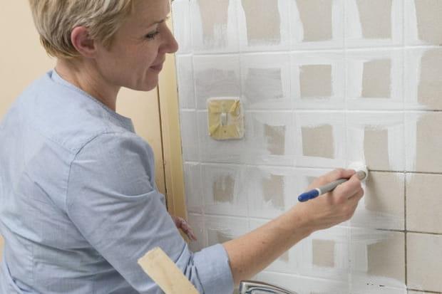 Peinture des joints de carrelage de la cr dence for Peindre une credence en carrelage
